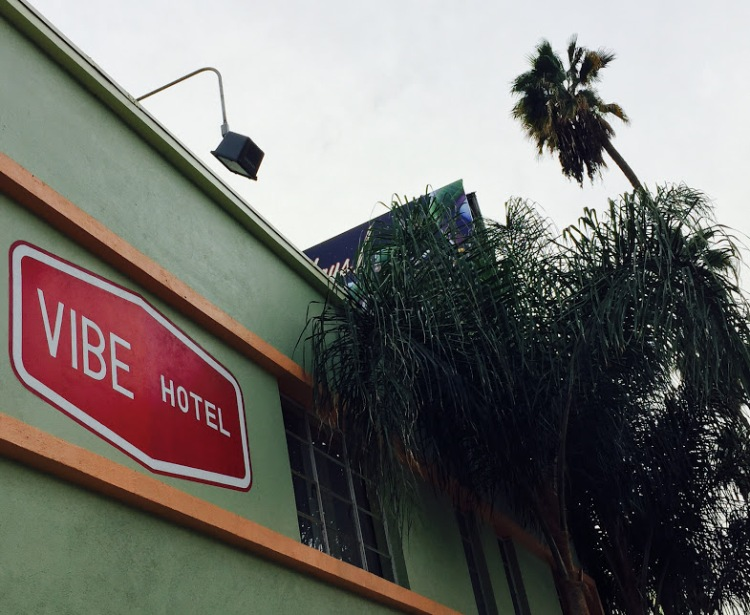 Thrill Collins - Vibe Hotel - 12:30:14
